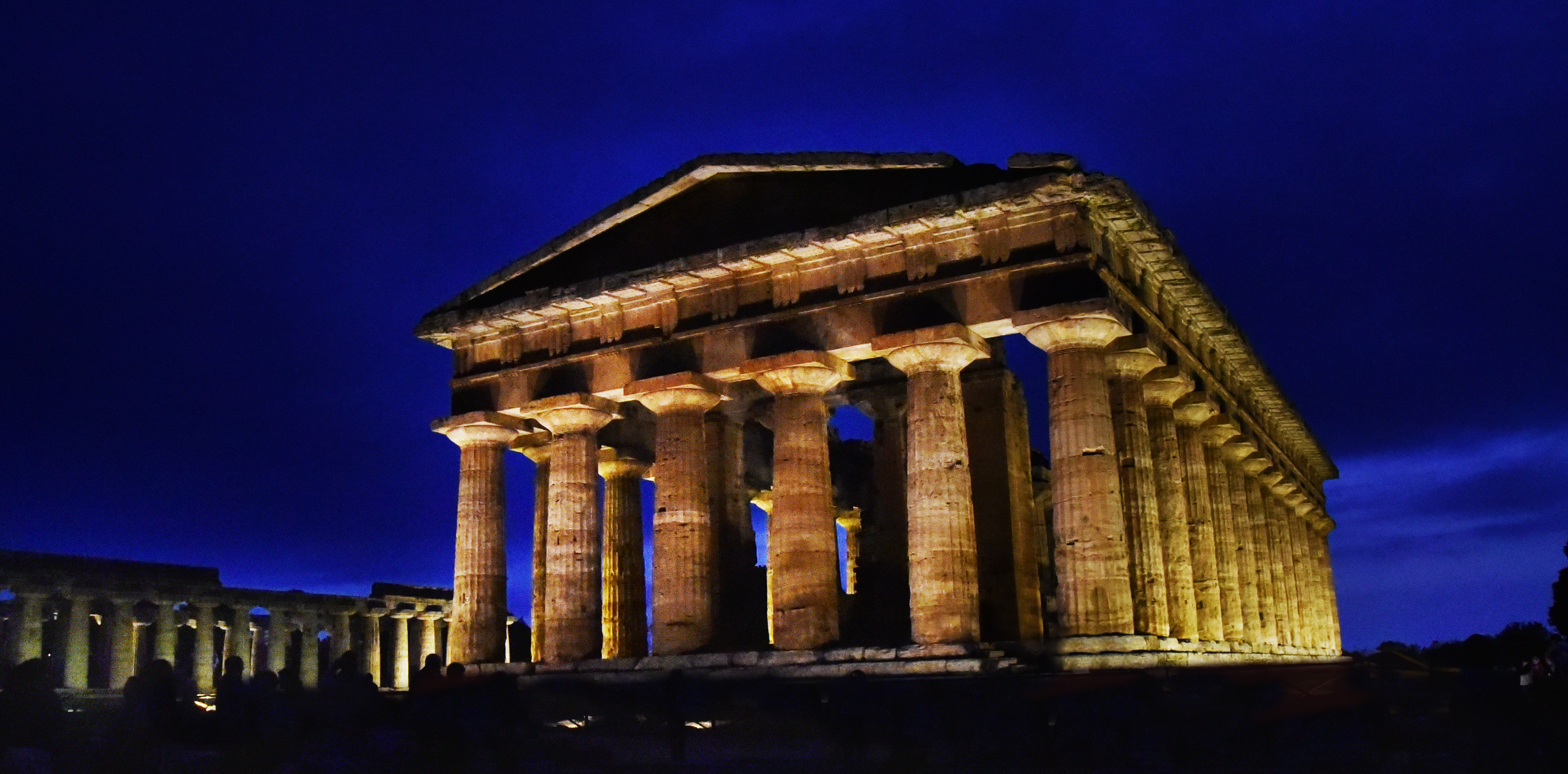 Nettuno tempio paestum