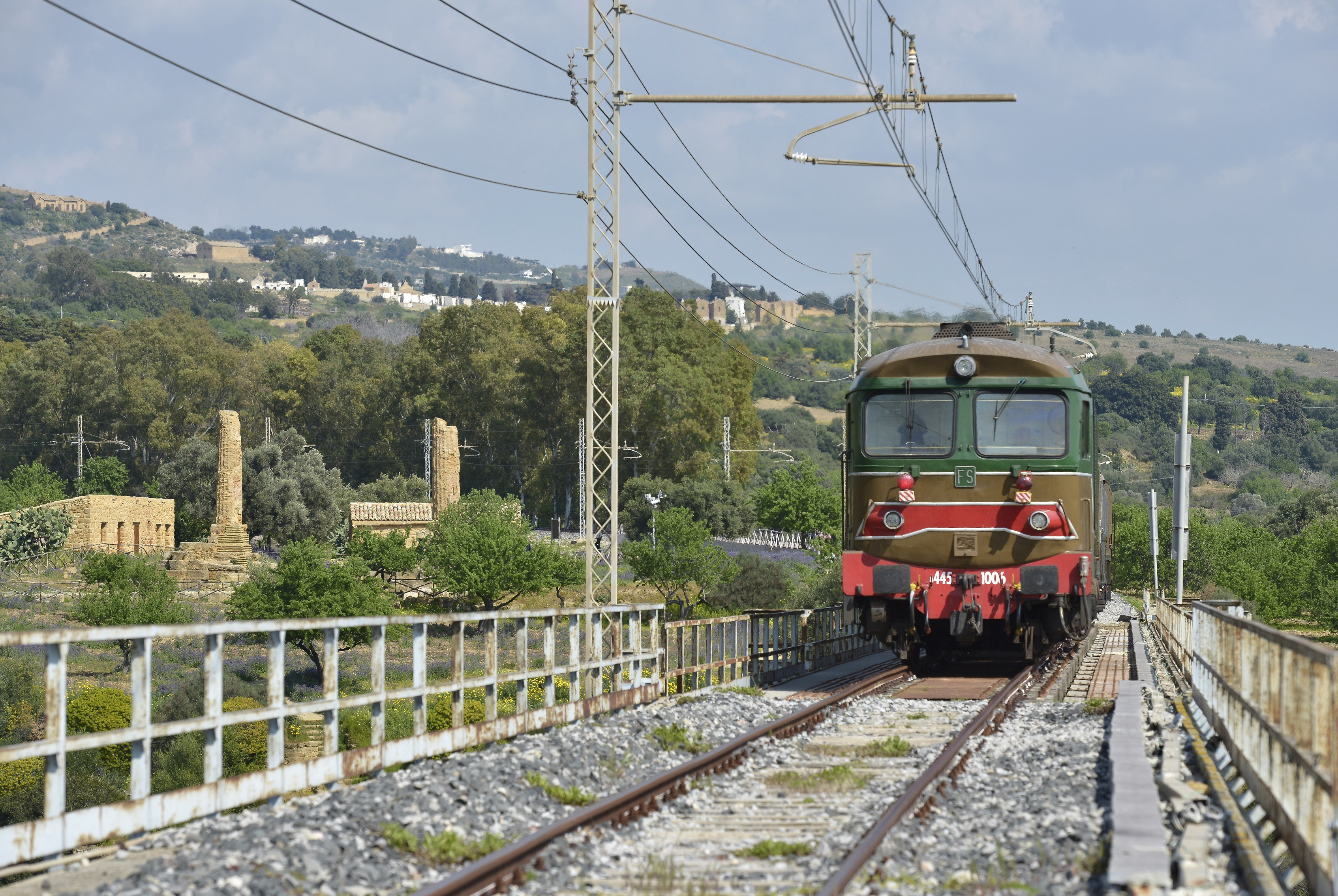 treno templi sicilia