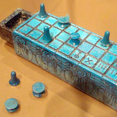 800px-SenetBoard-InscribedWithNameOfAmunhotepIII_BrooklynMuseum